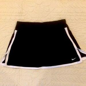 Nike FITDRY Tennis Black Skort size S
